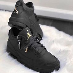 Air Jordan, Nike, adidas, Supreme & Other Footwear Available at Stadium Goods Sneakers Mode, New Sneakers, Sneakers Fashion, Fashion Shoes, Black Sneakers, Custom Sneakers, Mens Fashion, Jordan Shoes Girls, Girls Shoes