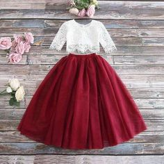 Vestidos Color Vino, Girl Fashion, Fashion Dresses, Donia, Lace Flower Girls, Flower Girl Dresses Burgundy, Lace Crop Tops, Outfit Sets, Skirt Set