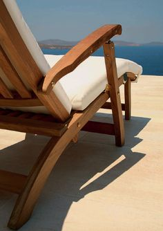 Teak Lounge perfect for the summer sun