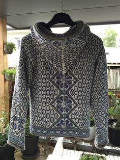 Ravelry: KarianneF's Min Morgendis Fair Isle Knitting, Knitting Yarn, Knitting Patterns, Crochet Crafts, Knit Crochet, Fair Isle Pattern, Knit Vest, Knit Fashion, Needle And Thread