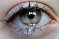 The color of her eye will match your blog`s background! See the magic, drag it. (source)