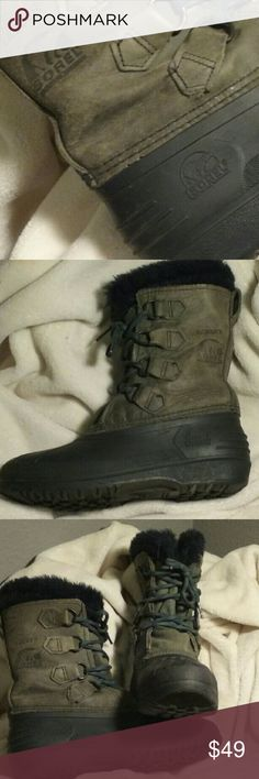 SOREL BADGER snow boots sz 6 EUC !!! If you are not familiar with this brand, GO CHECK OUT THEIR WEBSITE! See for yourself, I am offering these up for a smokin' low price. Barely worn, the pics speak for themselves. There are additional pics, and I'd be happy to answer any questions. If you are crying because these are not your size, check back often as I am just starting to list fall and winter items.    SHO126 Sorel Shoes Winter & Rain Boots
