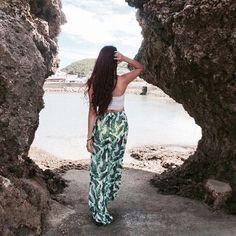 【madoka_1107】さんのInstagramをピンしています。 《. 寒くてどこにもカメラ旅 行けてない、、❄️⛄️ . 趣味たっくさんあるけど これだけは譲れないな . 写真は二年前の沖縄 透けてるのは水着笑 .  #fashion#beach#sea#bikini#swimwear#red#hm#okinawa#photooftheday#instagood#instalike#followme#love#me#style#simple#海#沖縄#ビーチ#砂浜#memory》
