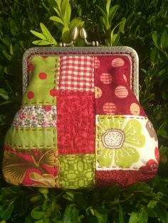 Monedero patchwork Coin Purses, Boro, Patches, Christmas Ornaments, Sewing, Holiday Decor, Pencil Cases, Bags, Satchel Backpack