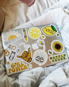 laptop stickers that remind me to stay positive and love life. - Macbook Laptop - Ideas of Macbook Laptop - laptop stickers that remind me to stay positive and love life. Vsco, Macbook Stickers, Mac Stickers, Laptop With Stickers, Funny Stickers, Accessoires Iphone, Ideias Diy, Jolie Photo, Aesthetic Bedroom