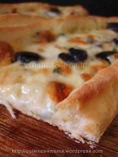 Quand j'ai vu Houriet el Matbakh préparer ces fatayers turques aux fromages, je n'ai pas pu résister longtemps à les faire tellement son descriptif étant convain…