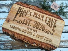 #naambord, #mancave #graveren, #hout, #kado, #gifts, #naaminhout, #liefde #familie, #friends, #goodtimes Grand Marnier, Bbq Grill, Bamboo Cutting Board, Good Times, Man Cave, Fathers Day, Chilling, Wood Burning, Friends