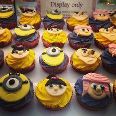 Despicable me cupcakes.