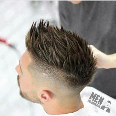 10 New Summer Hairstyles You Must Try From Hairstylesformeen Mens Medium Length Hairstyles, Cool Hairstyles For Men, Hairstyles Haircuts, Summer Hairstyles, Haircuts For Men, Mens Hairstyles Professional, Men Hairstyle Thick Hair, Blonde Hairstyles, Mens Hairstyles Widows Peak