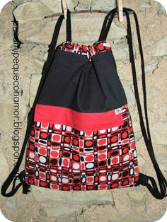Para mi peque con amor: Mochila con bolsillos. Tutorial Mochila Tutorial, Drawing Bag, Diy Backpack, Backpack Tutorial, Bazaar Ideas, Diy Purse, String Bag, How To Make Handbags, Best Bags