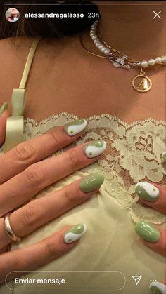 Best Acrylic Nails, Acrylic Nail Designs, Acrylic Nails Green, Green Nail Designs, Milky Nails, Nagel Hacks, Nagellack Design, Fire Nails, Minimalist Nails