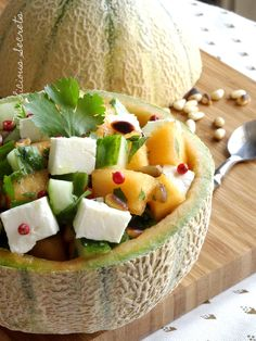 Melon salad with cucumber, feta and coriander - (Salade de melon, concombre, feta & coriandre) - http://www.myliciousecrets.fr/2016/07/27/salade-de-melon-concombre-feta/