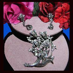 Vintage Tortolani rose brooch earrings. by VINTAGEJOOLSFORYOU