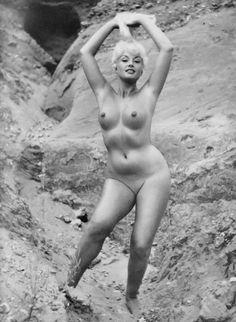 beautiful vintage nude blondes