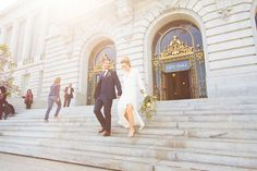 Find out why this wedding at San Francisco& City Hall is the prettiest one we& ever seen. City Hall Wedding, Dream Wedding, Wedding Day, Wedding Halls, Wedding Reception, Wedding Poses, Wedding Venues, Courthouse Wedding Photos, San Francisco Courthouse Wedding