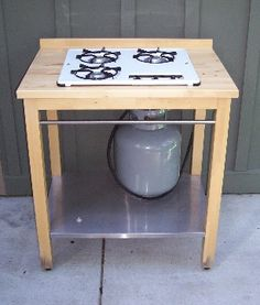 Custom Built Outdoor Cooking - a great way to spend more time in the garden. you can use any recycled gas stove top. I want this!!!