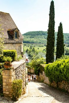 Sites à visiter - Dordogne - Beau site - Domme - Dordogne - Domme Places To Travel, Travel Destinations, Places To Visit, Easy Jet, Dordogne, South Of France, France Travel, Wanderlust Travel, Landscape Photos