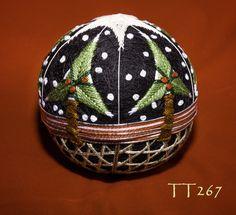 TT 267 clever Christmas temari