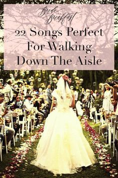 Wedding Playlist: 22 Songs Perfect For Walking Down the Aisle | Photo: Cherryblocks