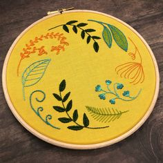 Wooden Embroidery Hoops, Cute Embroidery, Embroidery Scissors, Embroidery Kits, Embroidery Stitches, Long And Short Stitch, Lazy Daisy Stitch, Floral Hoops, Running Stitch