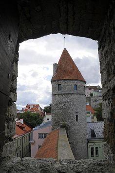 City walls & Nun's Tower, Tallinn, ESTONIA    (by Niall Corbet on Flickr.)