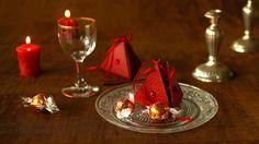A déposer sur les assiettes, à suspendre sur le sapin ou à offrir à vos invités, ces berlingots feront plaisir pour les fêtes de Noël.