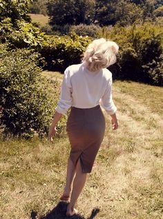 Michelle Williams as Marilyn Monroe for Vogue Magazine, October 2011 ~ Photo by Annie Leibovitz Michelle Williams, Marilyn Monroe Fotos, Marylin Monroe, My Week With Marilyn, Annie Leibovitz Photography, Vogue Photography, Retro Photography, Magazine Vogue, Vogue Us