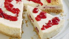 New York cheesecake: Pravý amerikánsky, veľký a tučný - Pluska.sk Low Carb Desserts, Sweet Desserts, Cheesecake Tradicional, Low Carb Backen, Cookies, Cheesecakes, Vanilla Cake, Great Recipes, Cake Recipes