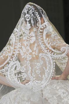 Weddings / Elie Saab. This veil is to die for