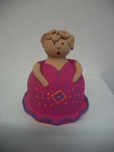 """""""comare"""" in terracotta portastuzzicadenti  altezza 10 cm. ; modellata e dipinta a mano"""