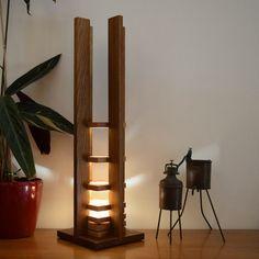 lampe en boisChêne teinté et Hêtre naturel: par woodlampdesign