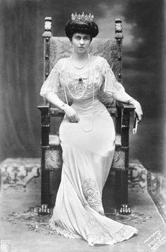 PrinzessinSophieDorothea Ulrike Alicevon PreußenVA(*14. Juni1870imNeuen PalaiszuPotsdam; †13. Januar1932inFrankfurt am Main) war durch Heirat Kronprinzessin vonGriechenlandund von 1913 bis 1917 sowie erneut von 1920 bis 1922KöniginderHellenen. Tochter Friedrichs III. und Viktoria. Schwester Wilhelms II.