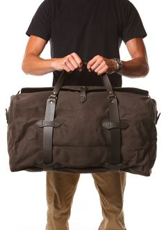 Classic simple duffle bag perfect for carryon