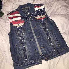 American flag denim vest NWOT, premium denim jacket. Unisex large Tops