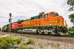 BNSF 5116 near West Memphis, Arkansas.