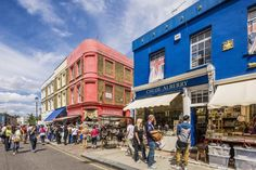 Looking for cheap London shopping spots for women? This article covers the best department stores, classic chains, lively shopping streets, and funky markets in the capital.