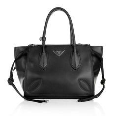 Classy black business bag:  Prada Shopping Bag City Sport Nero www.fashionette.de