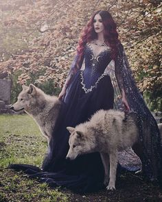 Cervena Fox, Elfa, Sweetheart Prom Dress, Witch Craft, Vintage Prom, Fantasy Photography, Beautiful Prom Dresses, Gorgeous Dress, Beltane