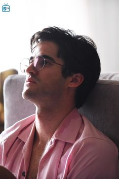"""What Happened To Andrew Cunanan's Dad After His Son's Death? - - The """"American Crime Story"""" finale showed the end of Andrew Cunanan's life, but what about his scam artist father, Modesto """"Pete"""" Cunanan? Darren Criss Glee, American Crime Story, Glee Cast, Chris Colfer, Gianni Versace, Love Photos, Actors & Actresses, Tv Shows, Dads"""
