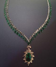 Maria Callas Emerald and Diamond Necklace Diamond Pendant Necklace, Diamond Jewelry, Maria Callas, White Crosses, Champagne Diamond, Indian Jewelry, Antique Jewelry, Fine Jewelry, Jewellery