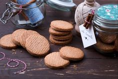 Ricetta Biscotti alla cannella - La Ricetta di GialloZafferano Biscotti Cookies, Brownie Cookies, Cookie Bars, Cooking Cookies, No Cook Desserts, Pinterest Recipes, Christmas Cookies, Italian Recipes, Baked Goods