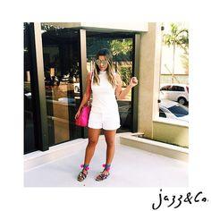 A @feguimaraess já escolheu o Jazz & Co. dela para o feriado. E você! (modelo Bigg) Contato: (62)8223.6752 #Soujazz #sunglasses #eyewear #jazzeco #shades #style