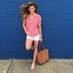 White Shorts Worn With 3 Tops • BrightonTheDay