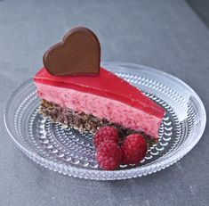 3 ss bringebærpuré i en kjele, varm dette Sweet Desserts, No Bake Desserts, Raspberry Mousse Cake, Norwegian Food, Norwegian Recipes, Pudding Desserts, Gluten Free Cookies, Let Them Eat Cake, Cake Recipes