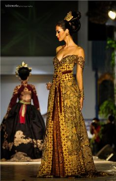 Kebaya batik. Batik only own Indonesian.