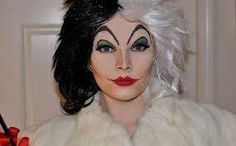 Master Cruella De Vil's look with this Halloween makeup tutorial.