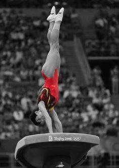 black-white-gymnastics-pics-kris-allen-kiss-the-girl