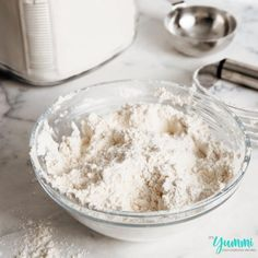 Homemade Dry Baking Mix (DIY Bisquick) is less expensive and better for you! Make homemade biscuits, pancakes, muffins, cakes, and more! Homemade Biscuit Mix, Homemade Dry Mixes, Homemade Seasonings, Bisquick Mix Recipe, Bisquick Recipes, Biscuit Recipe, Recipe Mixes, Best Bread Recipe, Bread Recipes