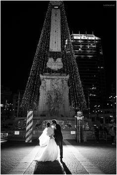 night wedding photography downtown indianapolis   linnealiz photography www.linnealiz.com