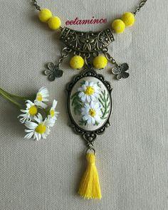 Etamin papatya kolye Sipariş ve bilgi için instagram : eetamince